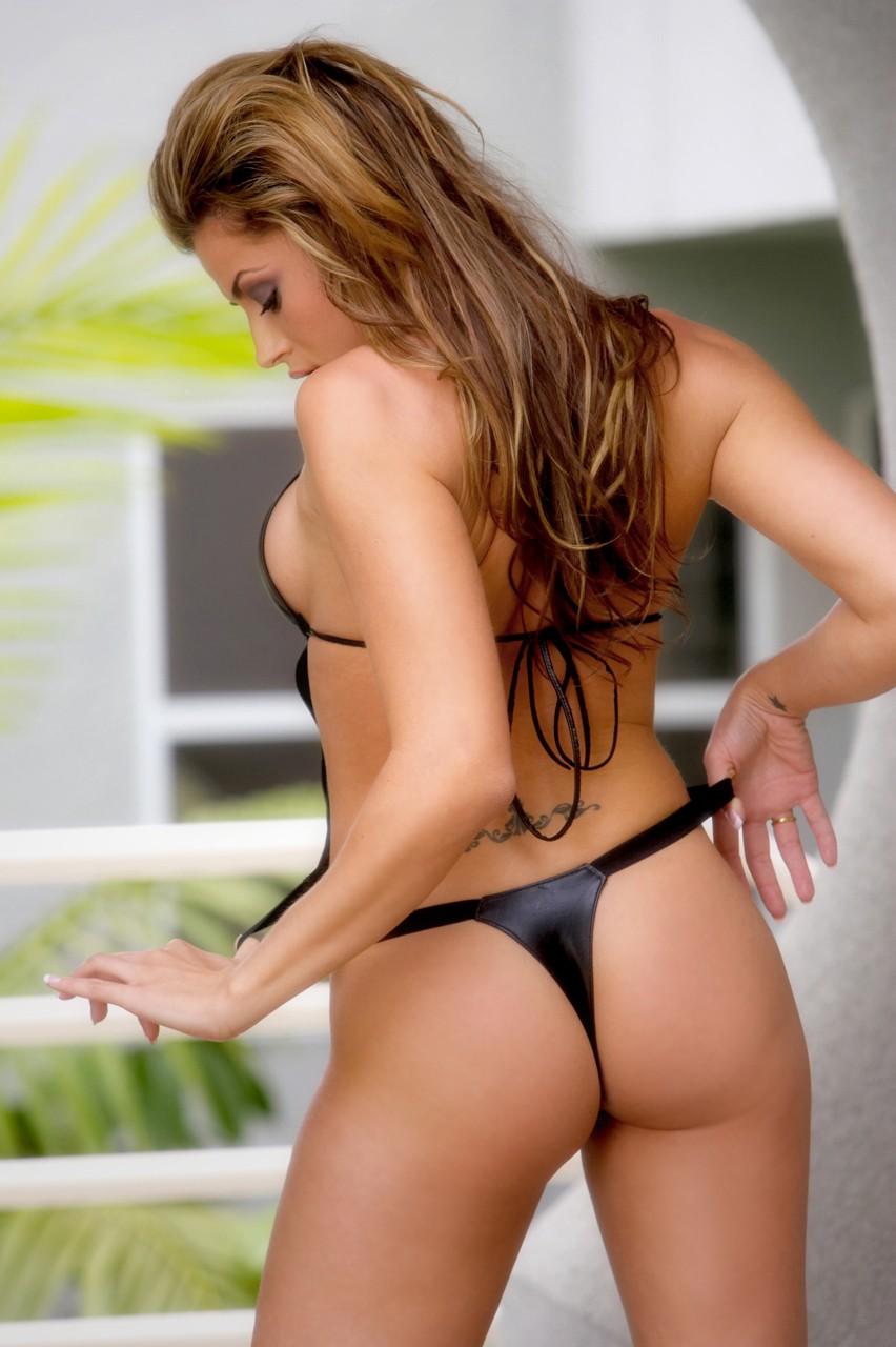 čierne bikiny porno